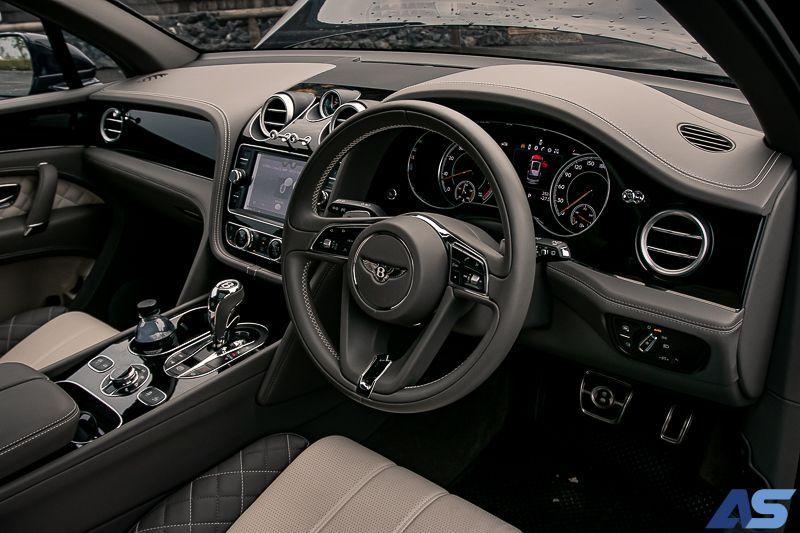 พวงมาลัย Bentley Bentayga V8