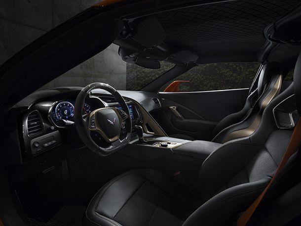 https://img.icarcdn.com/autospinn/body/1e006dcf-2019-chevrolet-corvette-zr1-009.jpg