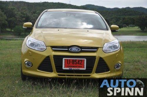 2012-Ford-Focus2000-TestDrive_29