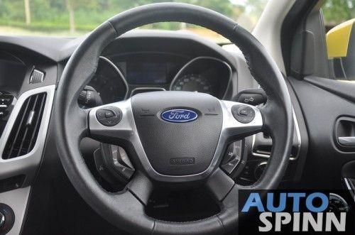 2012-Ford-Focus2000-TestDrive_37