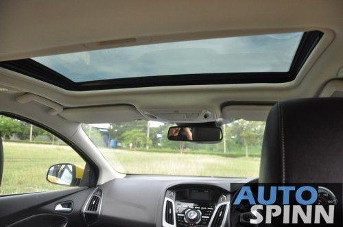 2012-Ford-Focus2000-TestDrive_41