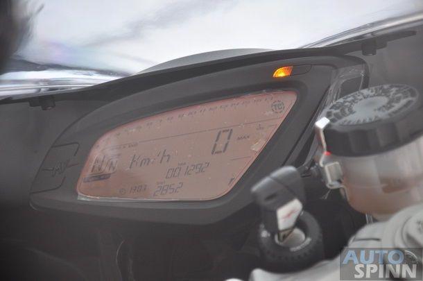 2012-MV-Agusta-F3-675-TestRide_55