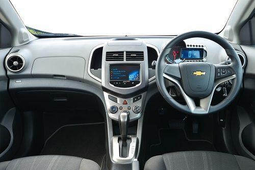 2013-Chevrolet_Sonic_1600cc-12
