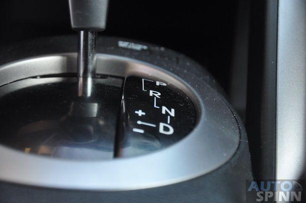 2013-Hyundai-Veloster-TestDrive-Pon_046