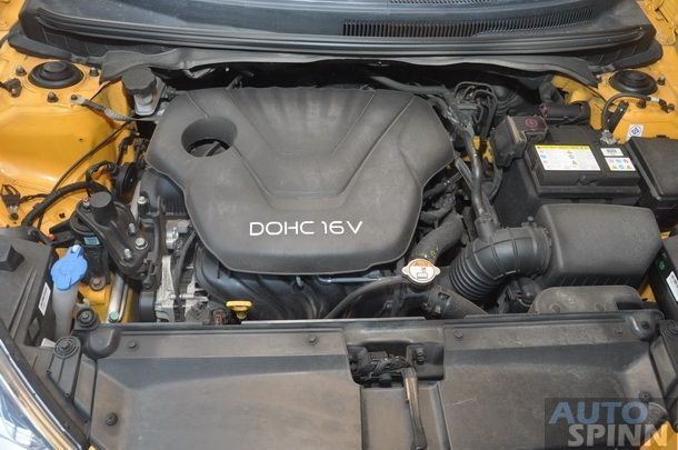 2013-Hyundai-Veloster-TestDrive-Pon_082