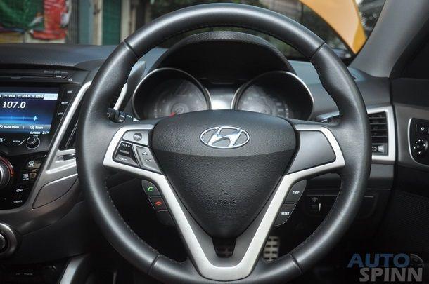 2013-Hyundai-Veloster-TestDrive-Pon_089