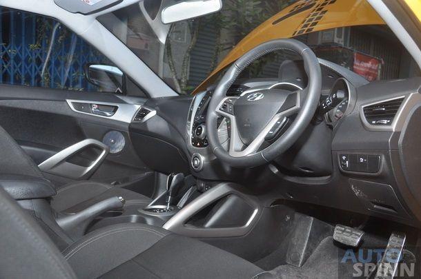 2013-Hyundai-Veloster-TestDrive-Pon_113