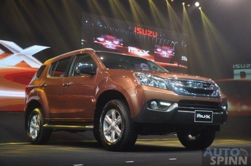 2013-Isuzu-MU-X-World-Debut_045