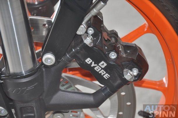 2013-KTM-Duke390-TestRide_22
