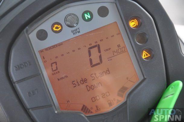2013-KTM-Duke390-TestRide_28