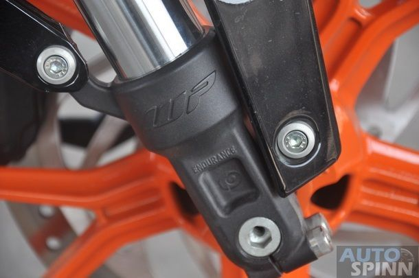 2013-KTM-Duke390-TestRide_36