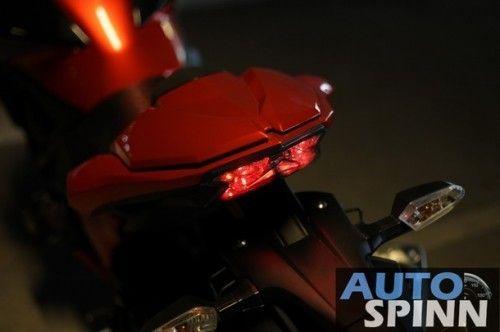 2013-Kawasaki-Z800-TestRide-VDO_03_610