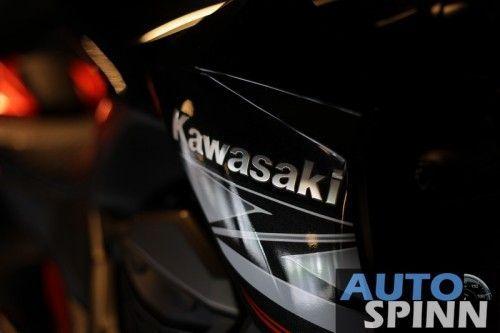 2013-Kawasaki-Z800-TestRide-VDO_09