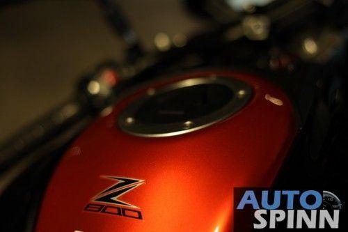 2013-Kawasaki-Z800-TestRide-VDO_11