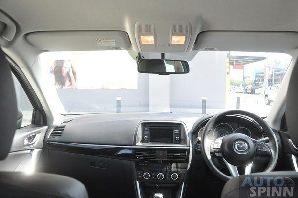 2013-Mazda-CX5-Gasoline-GroupTest_09