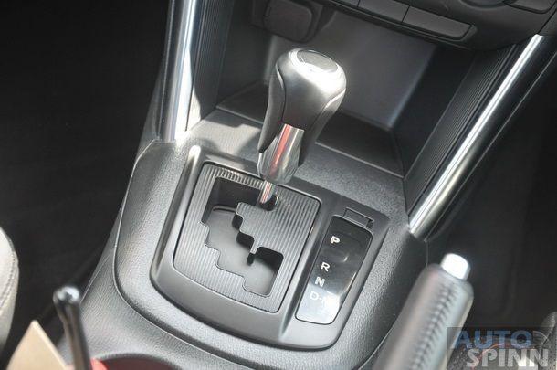 2013-Mazda-CX5-Gasoline-GroupTest_12