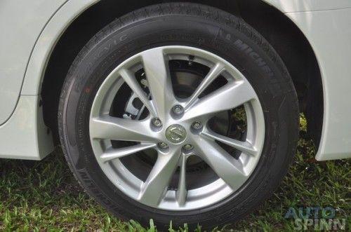 2013-Nissan-Teana-Group-Test_37