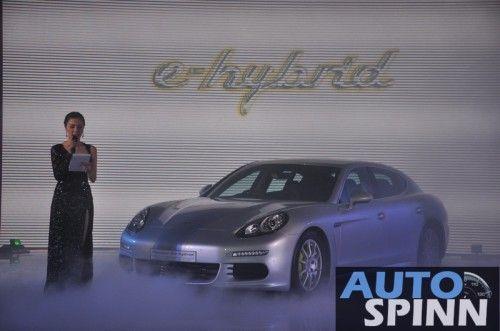 2013-Porsche-Panamera-S-E-Hybrid-TH-Launch_16