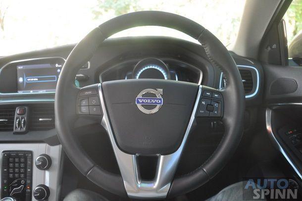 2013-Volvo-V40-TestDrive-Pon_027