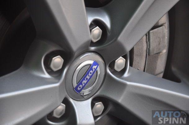 2013-Volvo-V40-TestDrive-Pon_054