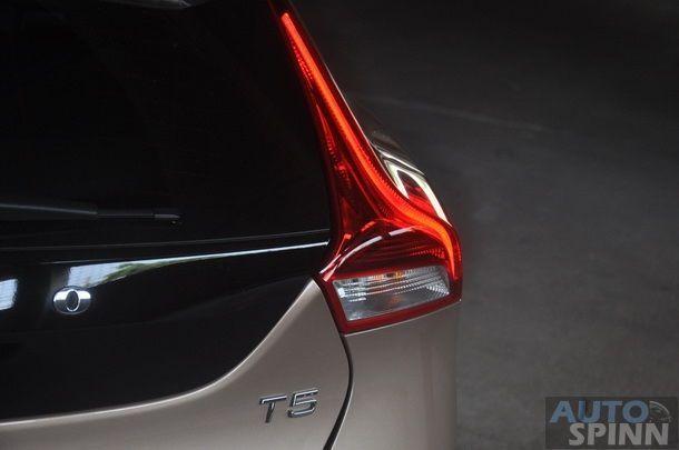 2013-Volvo-V40-TestDrive-Pon_083