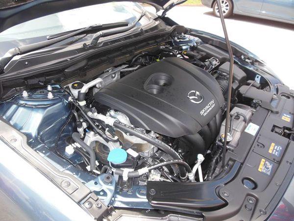 https://img.icarcdn.com/autospinn/body/2013-mazda-6-test-drive-85.jpg