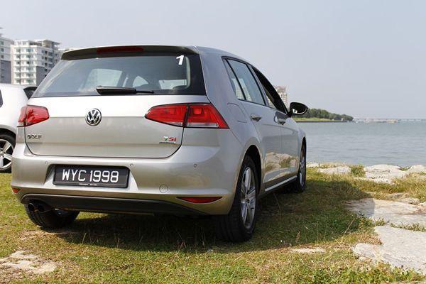 https://img.icarcdn.com/autospinn/body/2013-volkswagen-golf-mk-7-test-drive-19.jpg