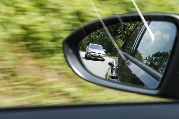 https://img.icarcdn.com/autospinn/body/2013-volkswagen-golf-mk-7-test-drive-8.jpg