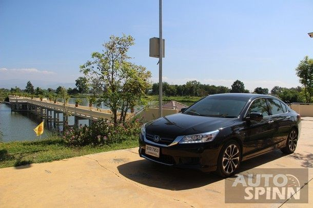 2014-Honda-Accord-Hybrid-Tech-TestDrive94