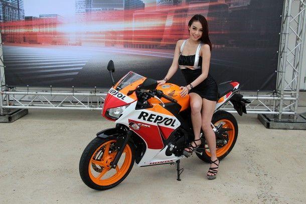 2014-Honda-CBR300R35