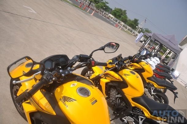 2014-Honda-CBR650f-CB650f-1st-Test_010