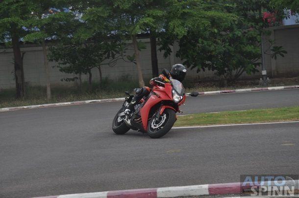 2014-Honda-CBR650f-CB650f-1st-Test_099