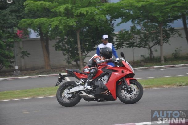 2014-Honda-CBR650f-CB650f-1st-Test_100