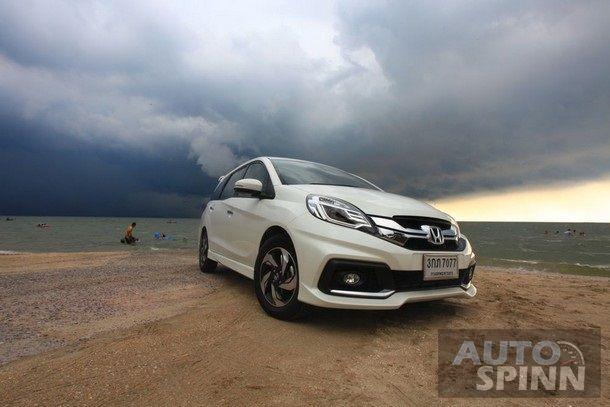 2014-Honda-Mobilio-RS-TestDrive3