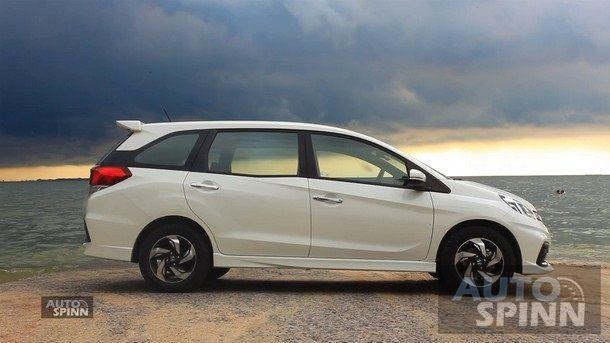 2014-Honda-Mobilio-RS-TestDrive5