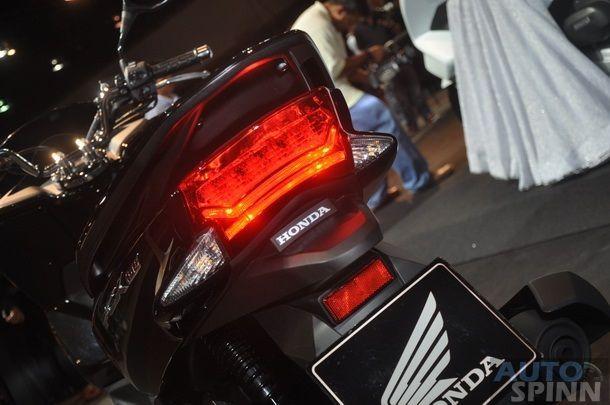 2014-Honda-PCX150-MSX_57