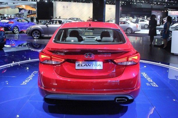 2014-Hyundai-Elantra-Sport-rear-1024x682