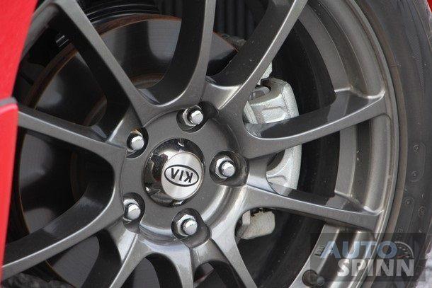 2014-Kia-Cerato-Koup-TestDrive32