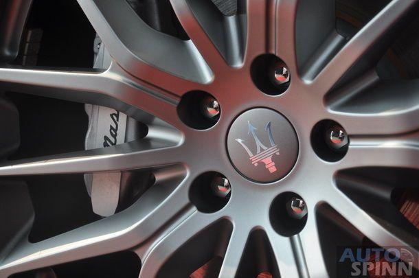 2014-Maserati-Ghibli-1st-Diesel-In-Thai_05