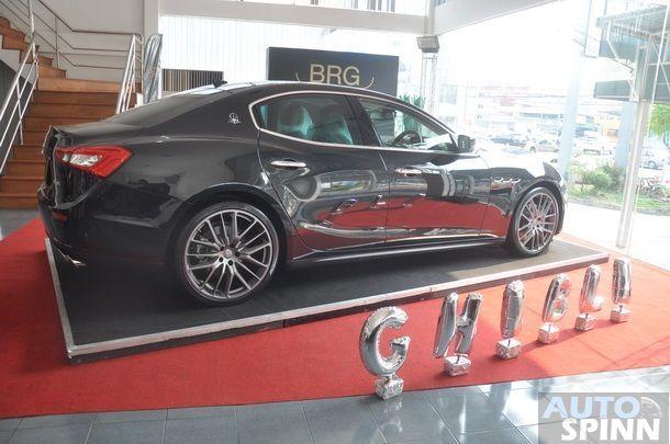 2014-Maserati-Ghibli-1st-Diesel-In-Thai_14
