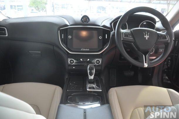 2014-Maserati-Ghibli-1st-Diesel-In-Thai_27