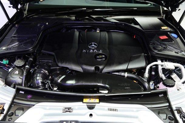 2014 Medrcedes-Benz C300 Bluetec Hybrid 09