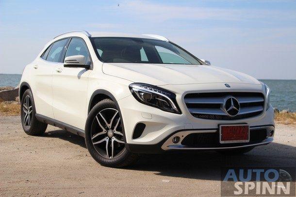 2014-Mercedes-Benz-GLA-TestDrive10