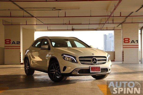 2014-Mercedes-Benz-GLA-TestDrive125
