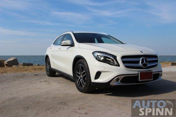2014-Mercedes-Benz-GLA-TestDrive42