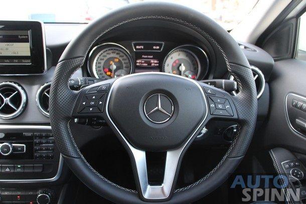 2014-Mercedes-Benz-GLA-TestDrive91