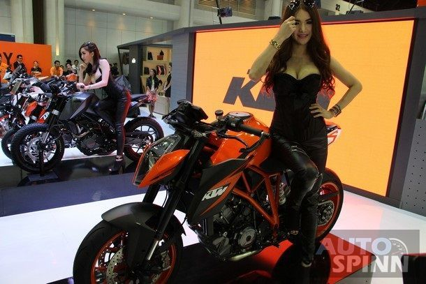 2014-Motor-Expo-Pretty-1stDay300
