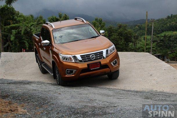 2014-Nissan-NP300-Navara-Global-TestDrive69