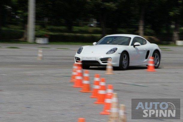 2014-Porsche-Cayman-1stImpression118