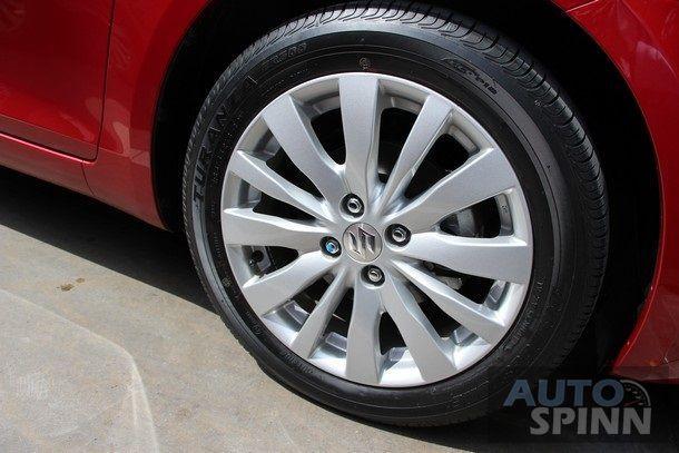 2014-Suzuki-Swift-RX-TestDrive10